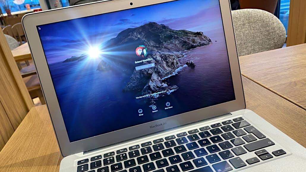 MacBook LCD Screens Help